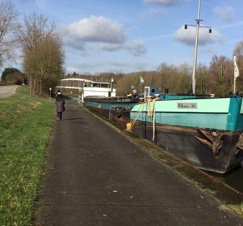 Balade matinale le long du canal